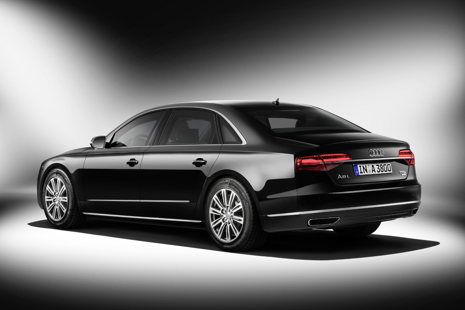 3-audi-a8l-security.jpg