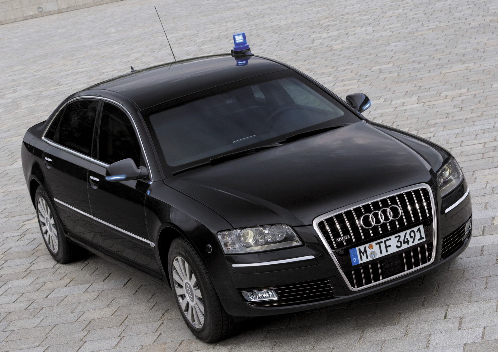 4-audi-a8l-security.jpg