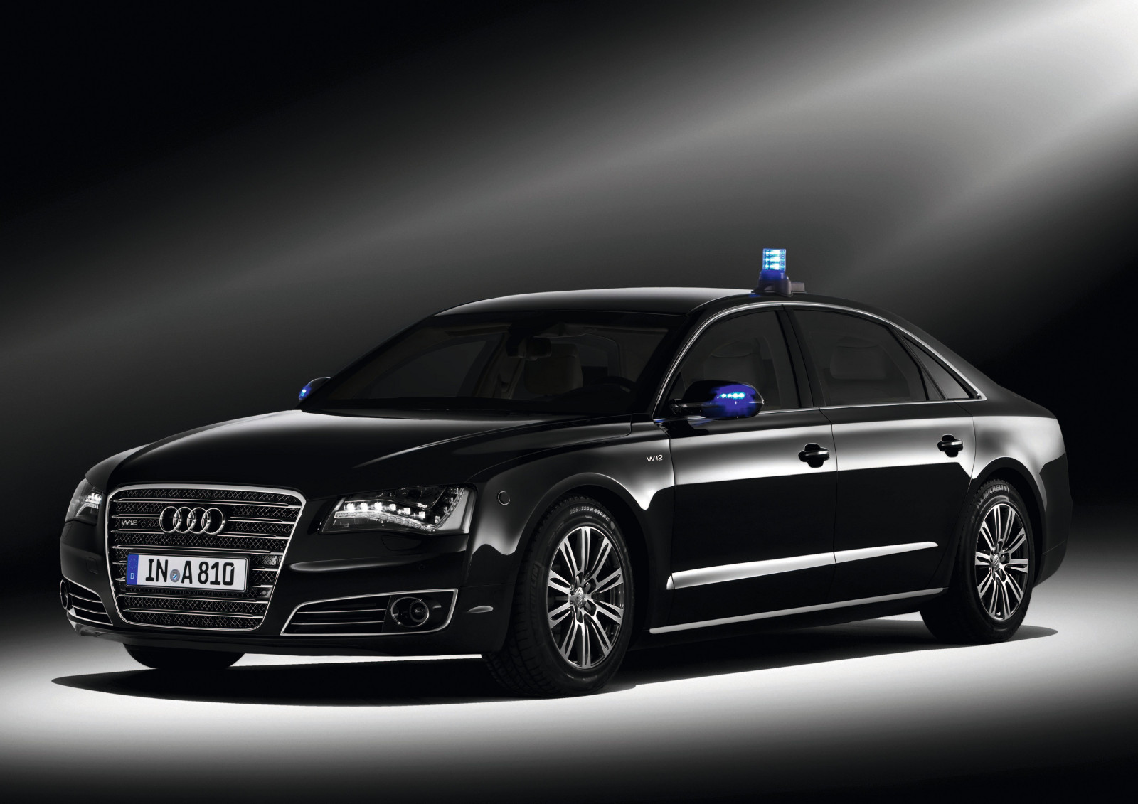 7-audi-a8l-security.jpg