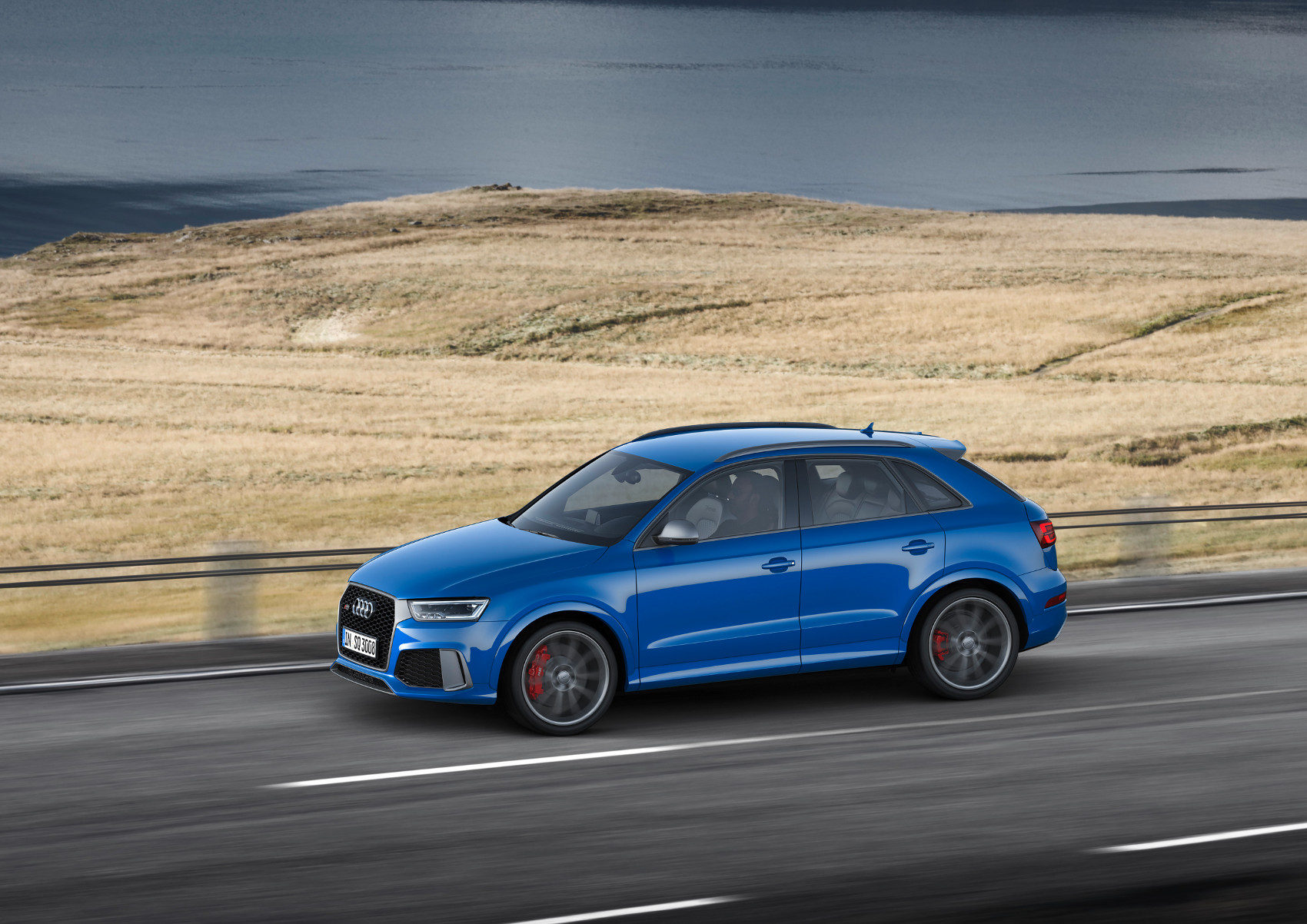 8-audi-rs-q3-performance.jpg