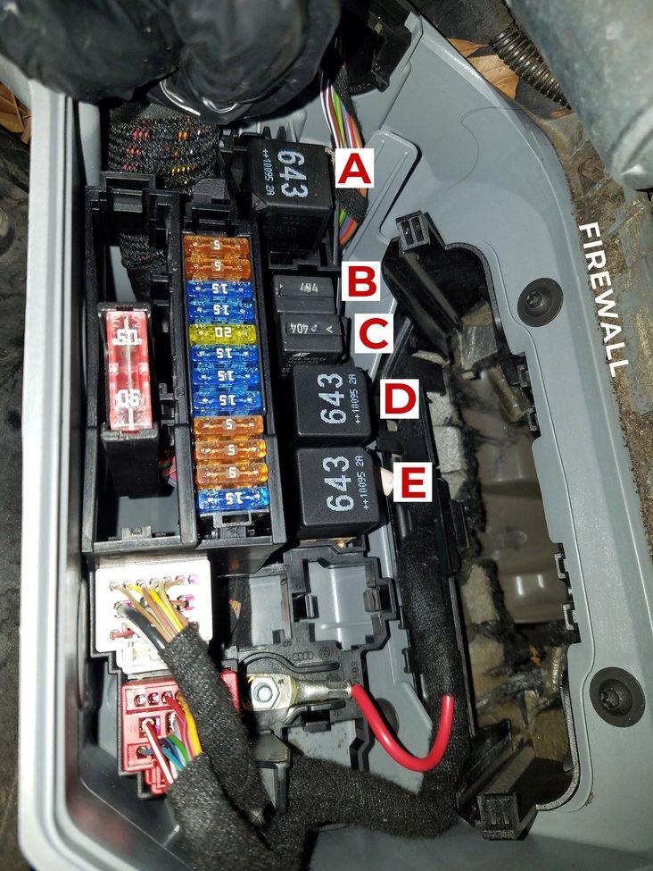 audi-quattro-Q5-fuse-box.jpg
