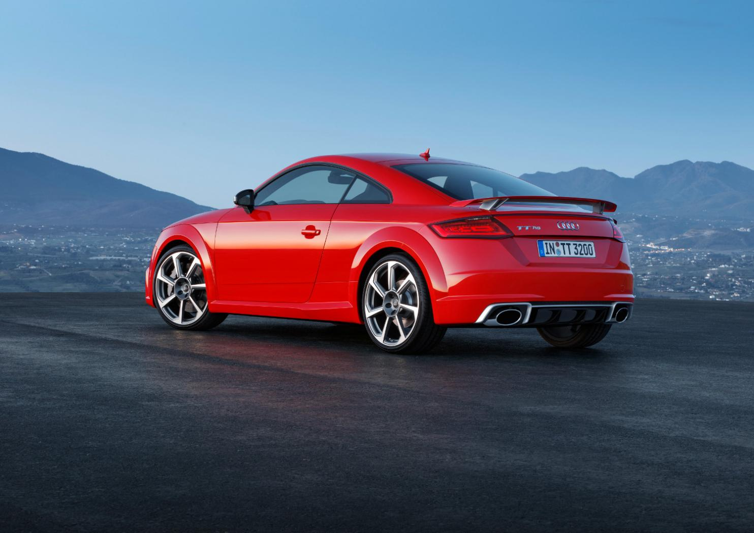 2-Audi-TT-RS-Coupe.jpeg