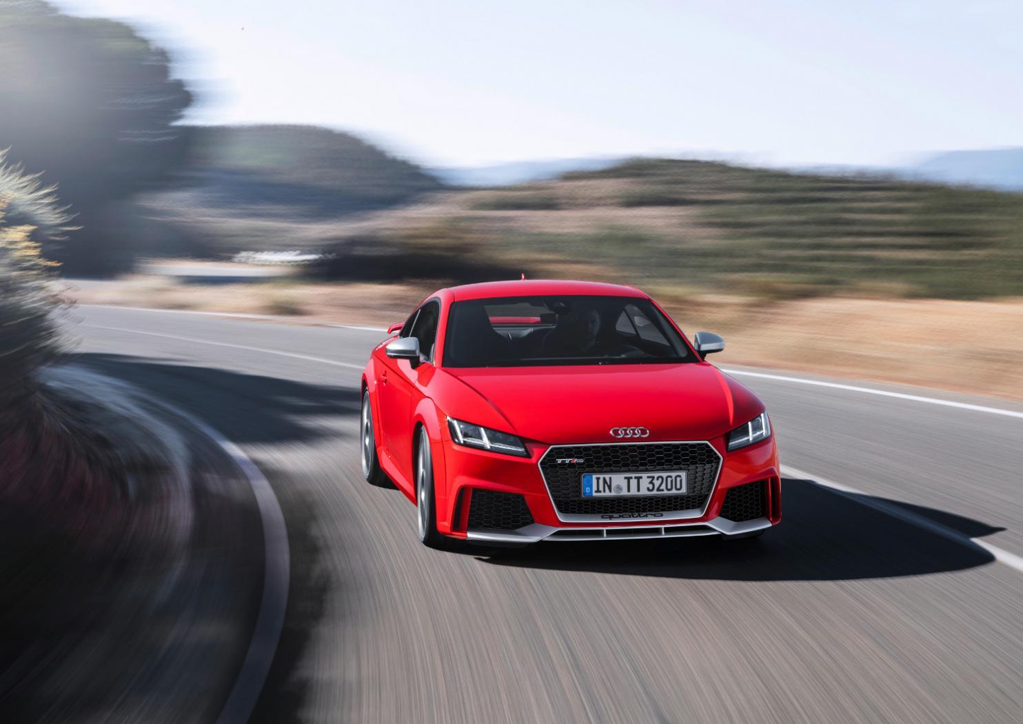 3-Audi-TT-RS-Coupe.jpeg