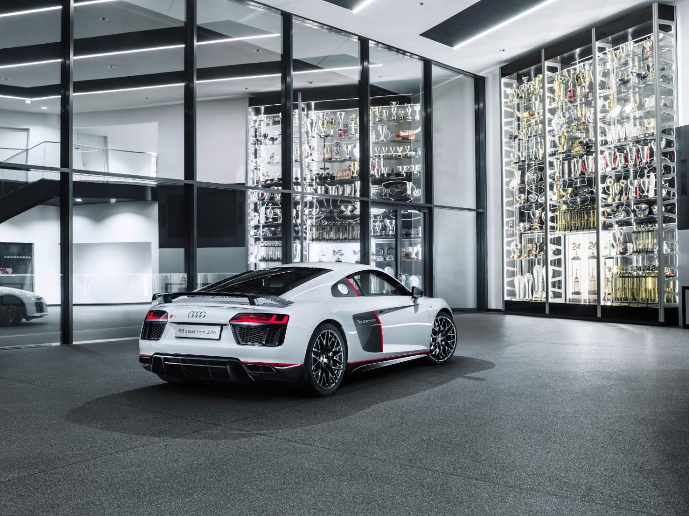 3-audi-r8-coupe-v10-plus-selection-24h.jpeg