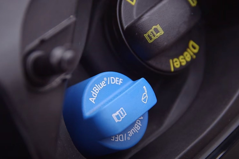 4-Audi-Q3-tout-sur-l-adblue.jpg