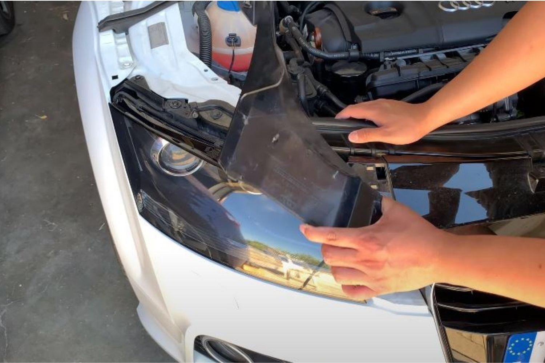 4-tuto-remplacement-ampoule-xenon-audi-tt-mk2.jpg