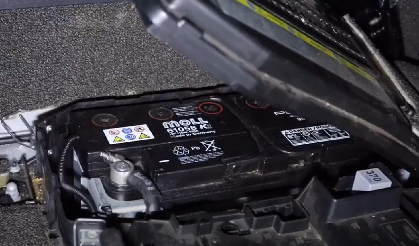 8-tuto-changement-batterie-audi-q7.jpg