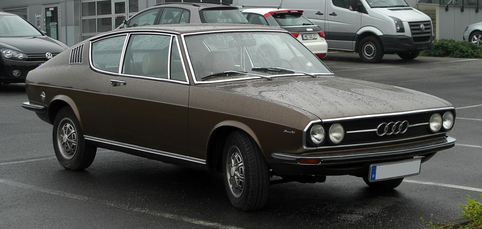 Audi-100-C1-7