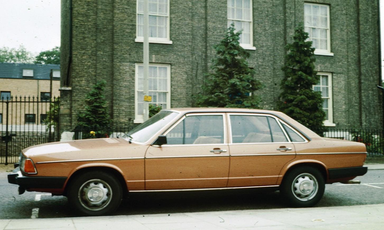 Audi-100-C2-4