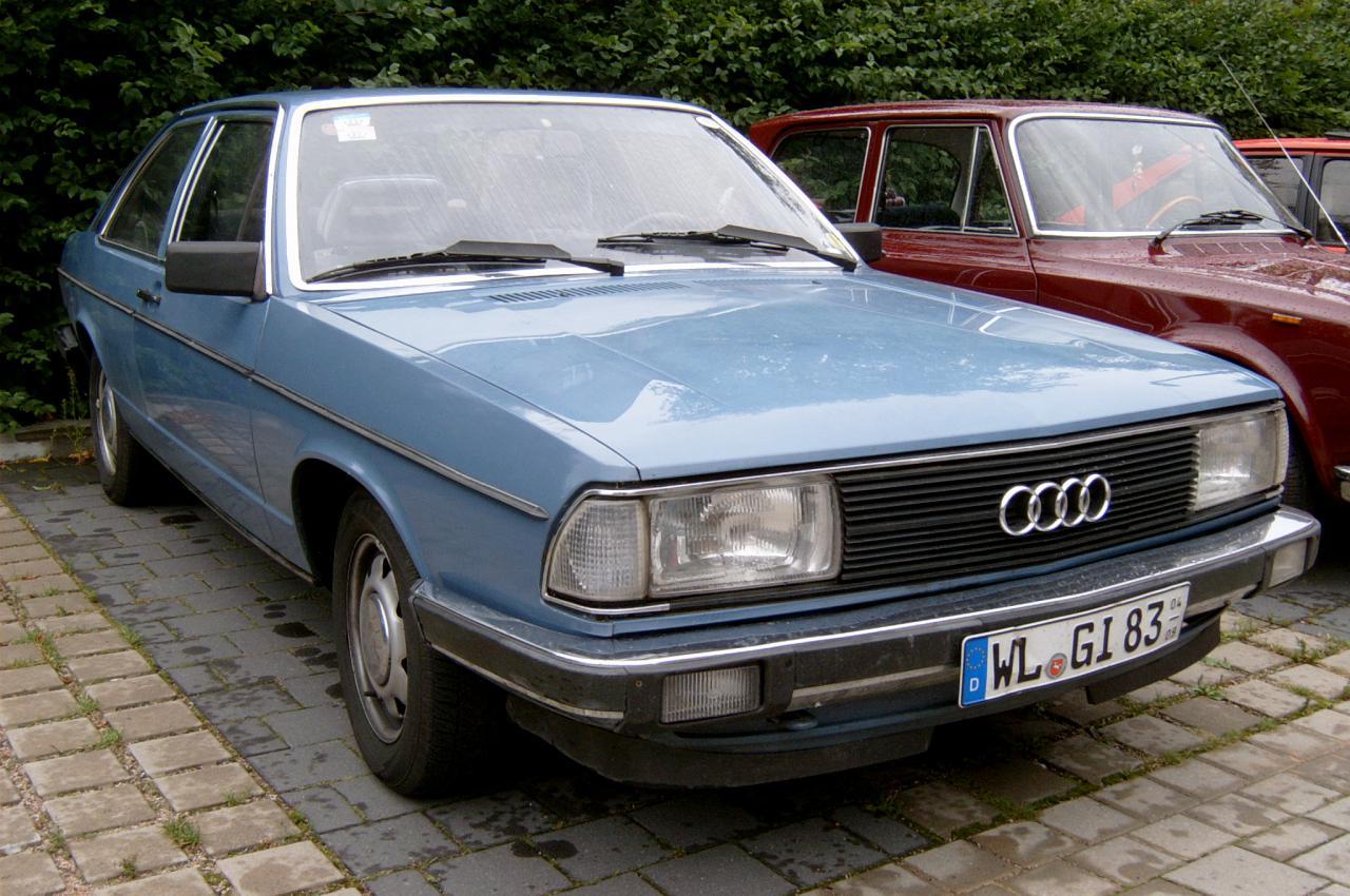 Audi-100-C2-6
