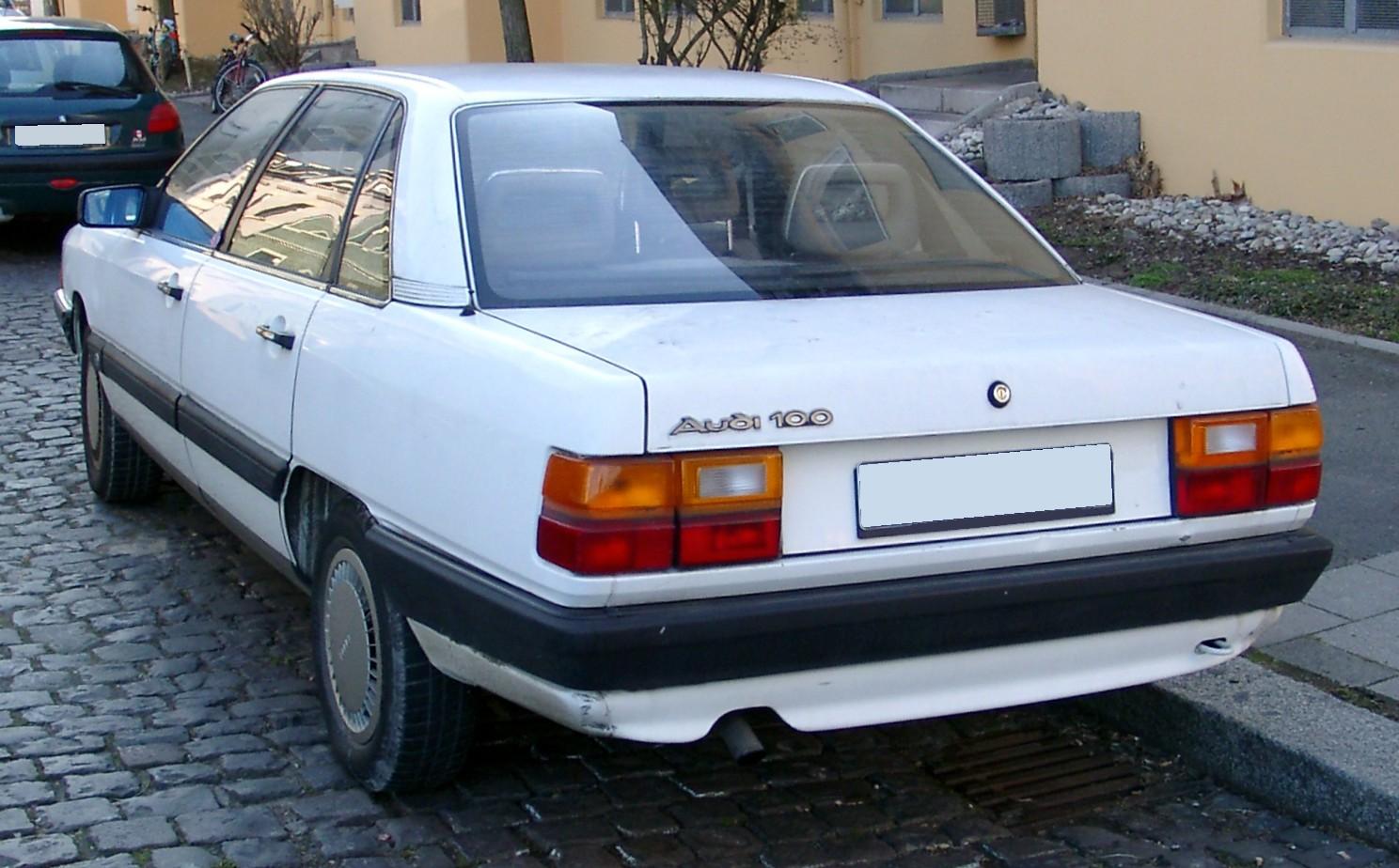 Audi-100-C3-1