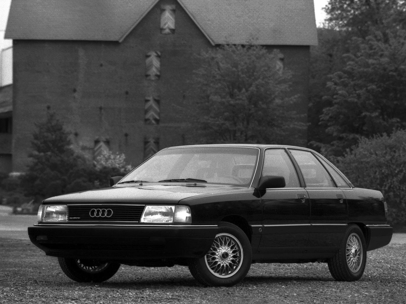 Audi-100-C3-4