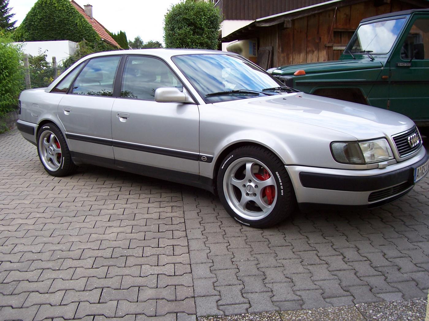 Audi-100-C4-3