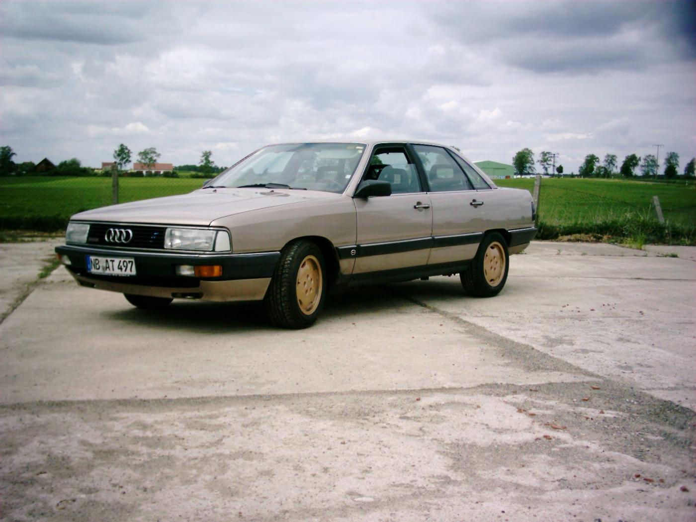 Audi-200-C3-6