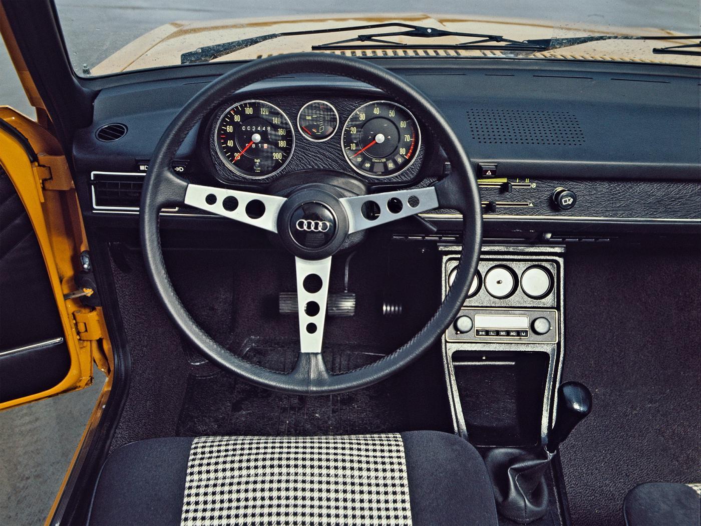Audi-80-B1-4