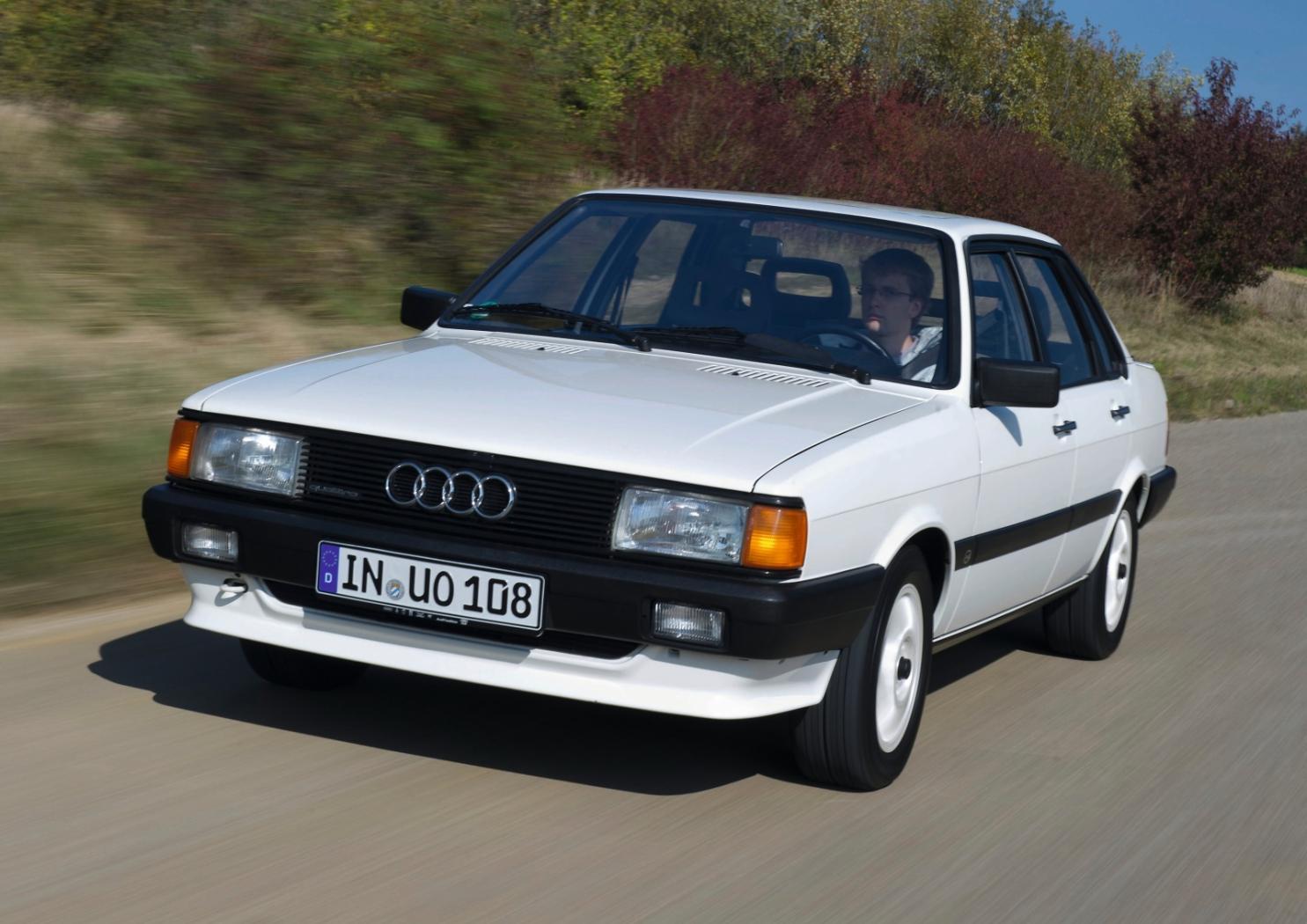 Audi-80-B2-1