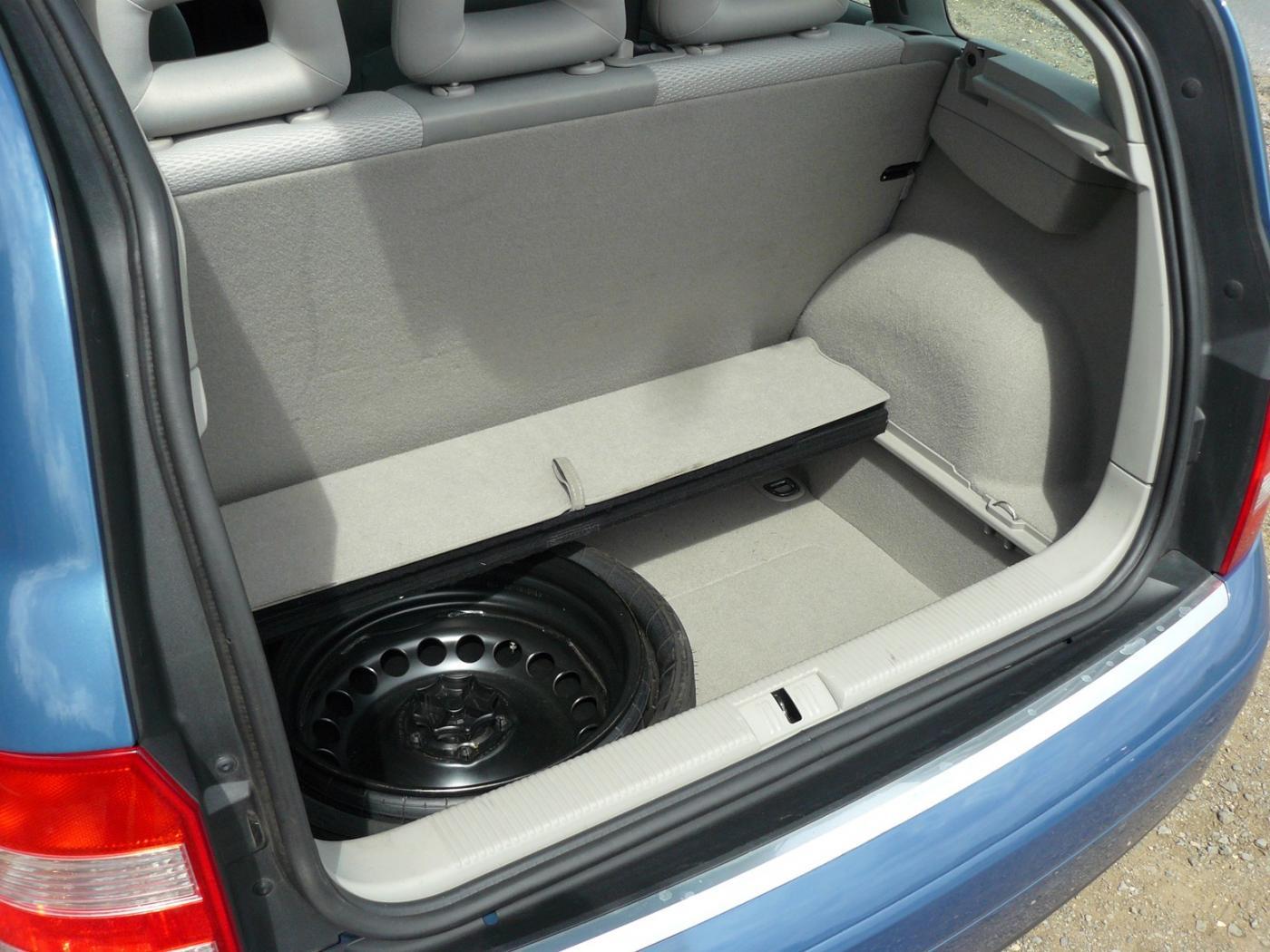 Audi-A2-8