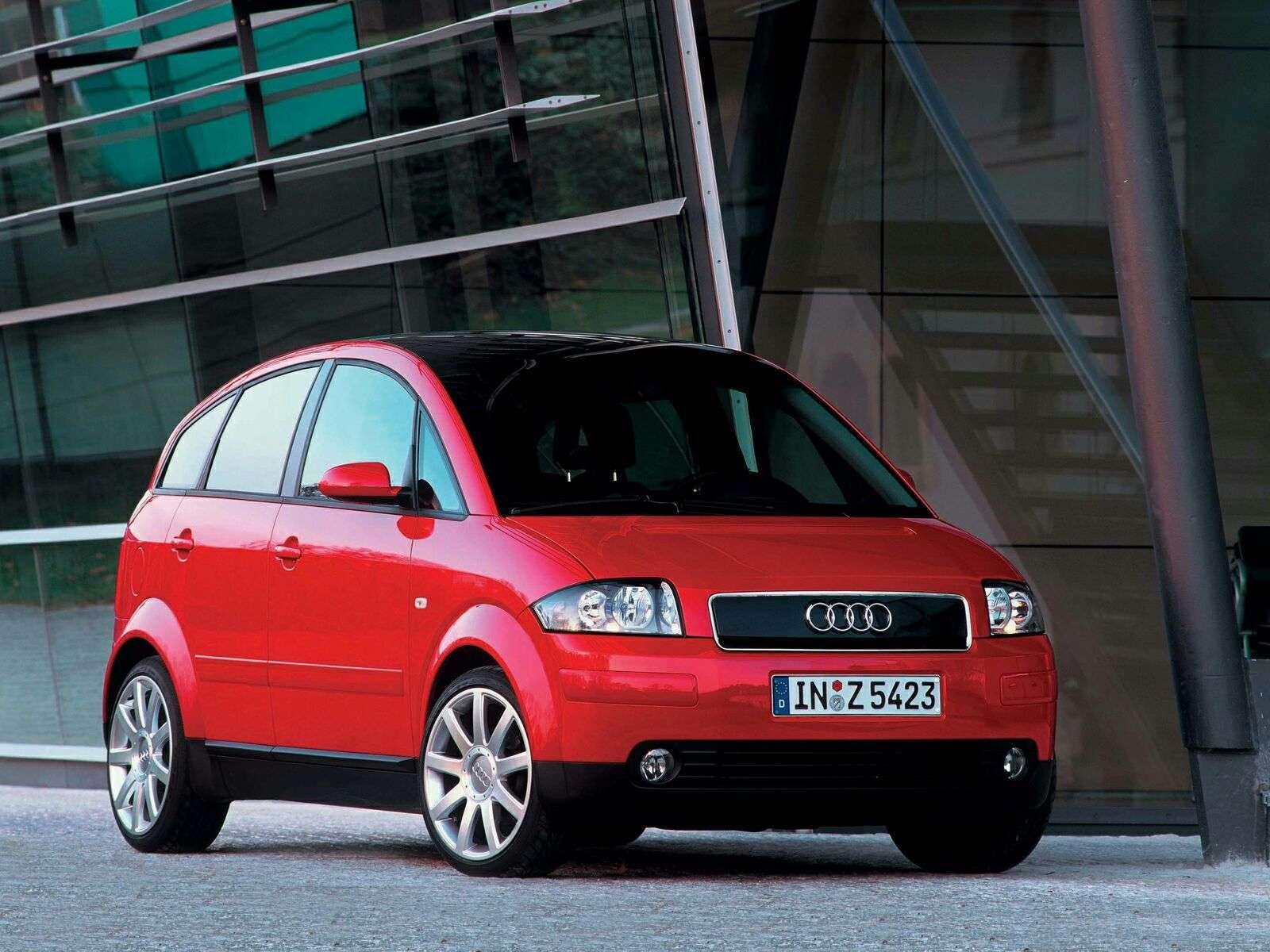 Audi A2 rouge vue de face