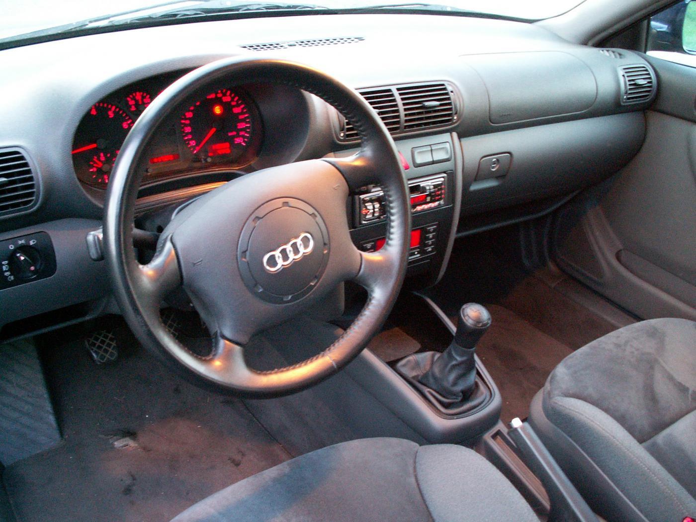 Audi-A3-8L-3