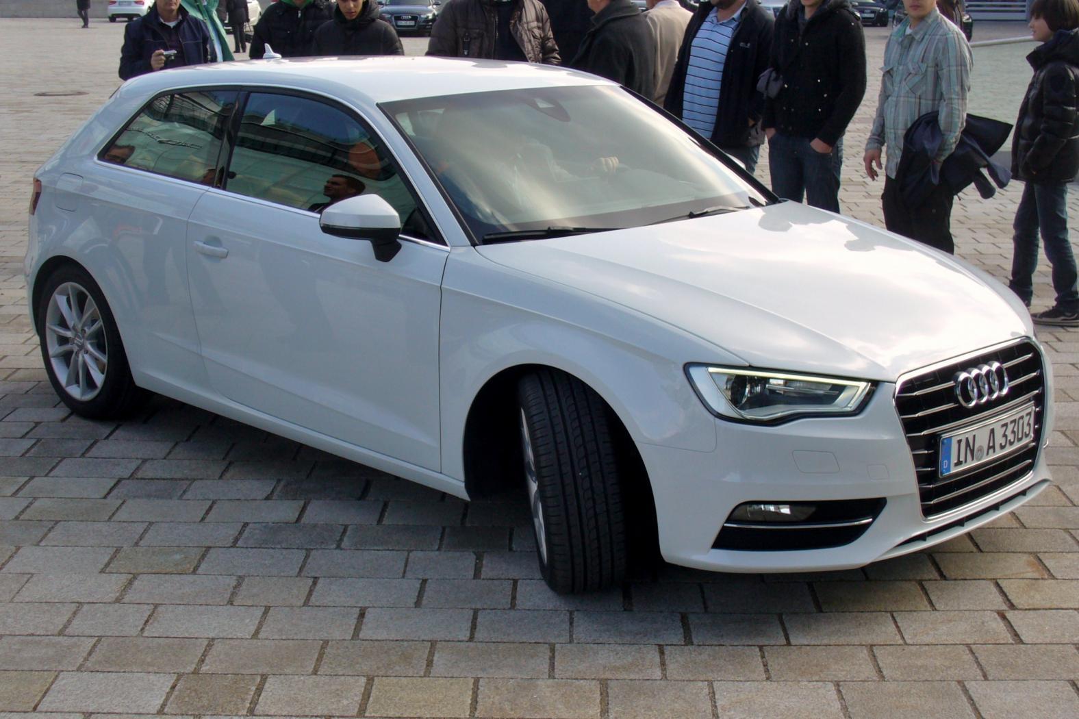 Audi-A3-8V-1