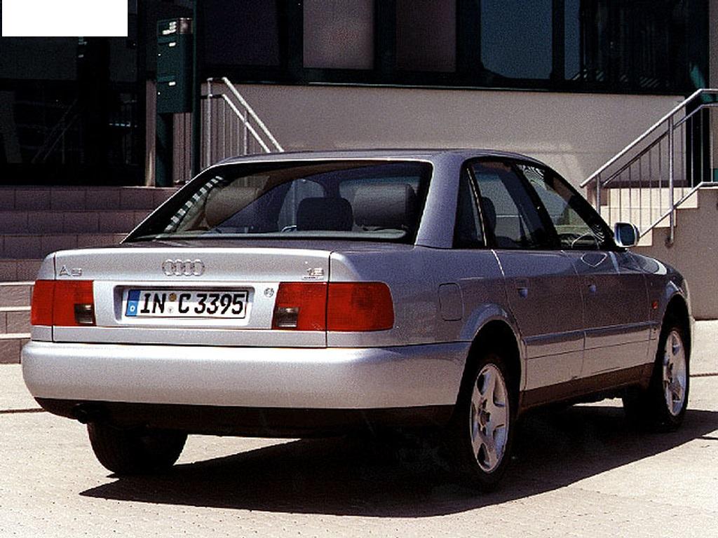 Audi-A6-C4-10
