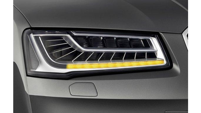 Audi A8 phare