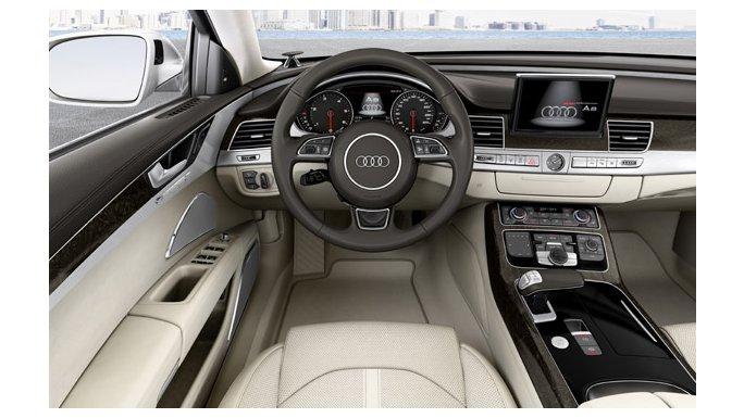 Audi A8 Vue volant