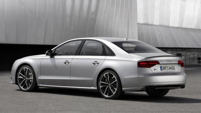 Audi A8 vue de profil