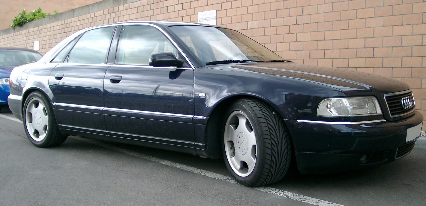 Audi-A8D2-2