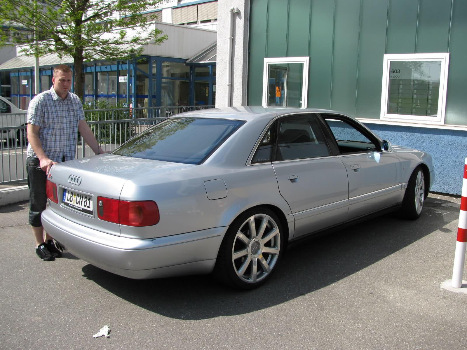 Audi-A8D2-4