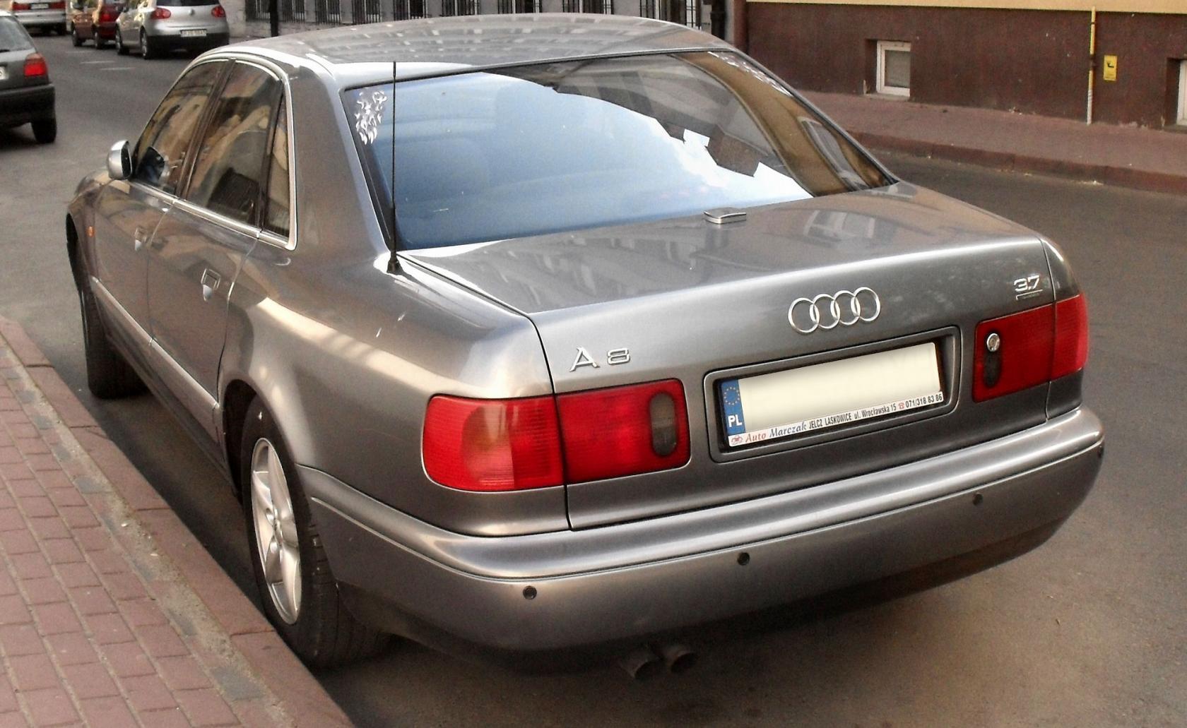 Audi-A8D2-5