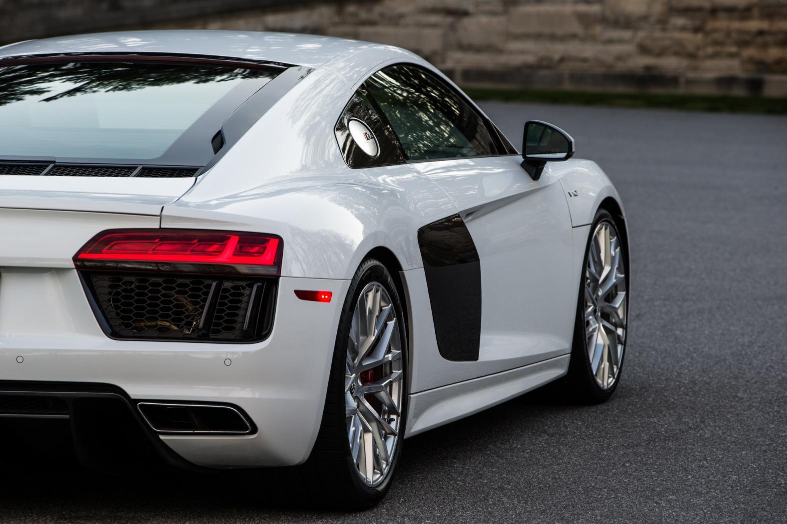Audi-R8-5
