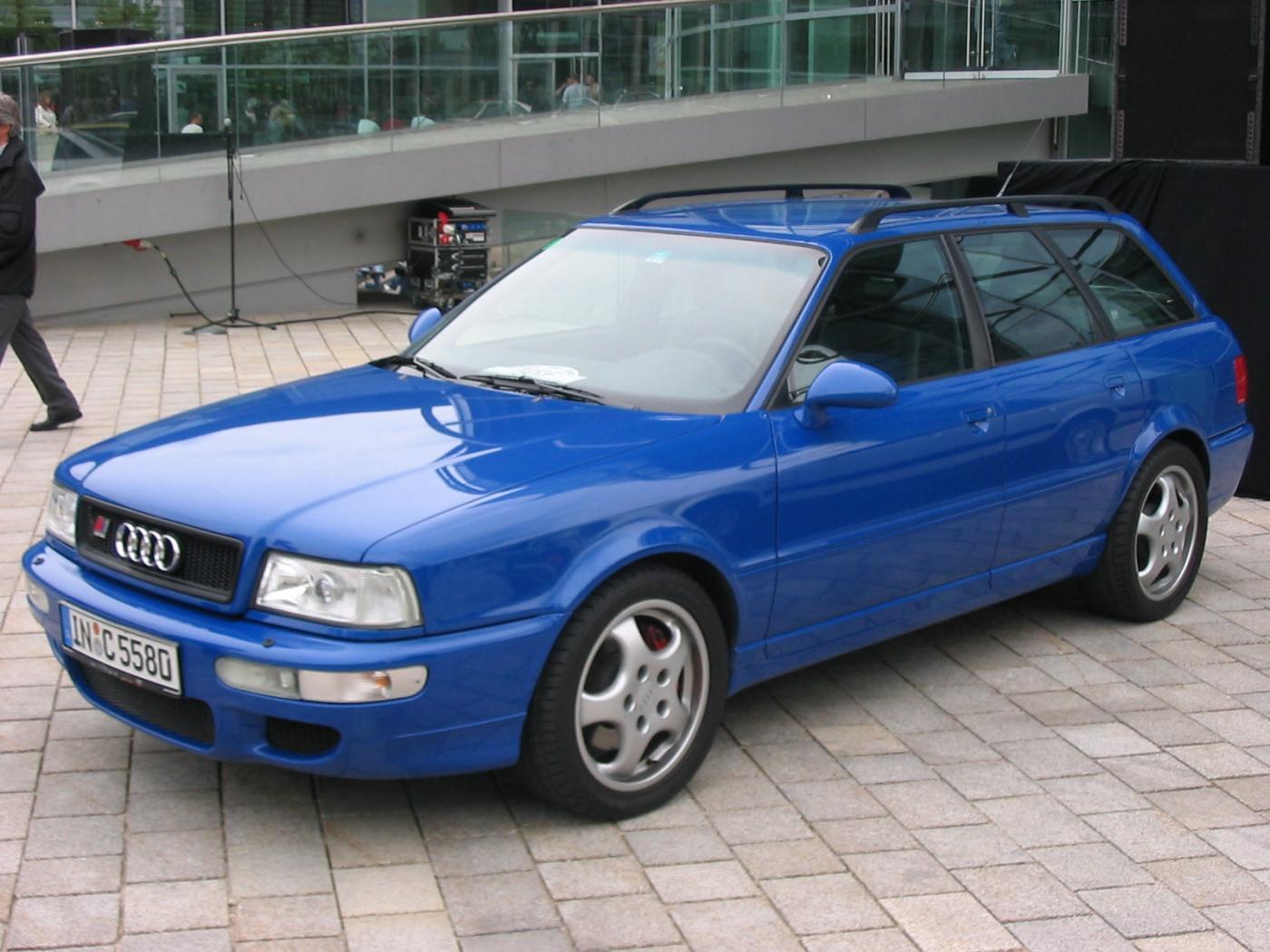 Audi-RS2-1