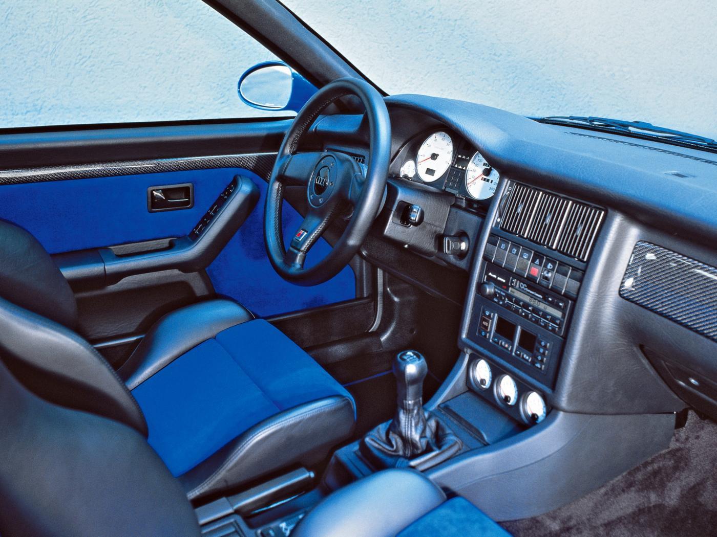 Audi-RS2-4