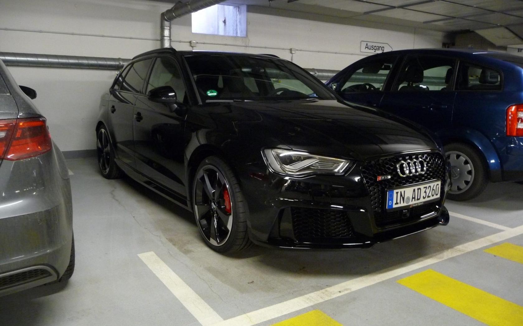 Audi-RS3-8V