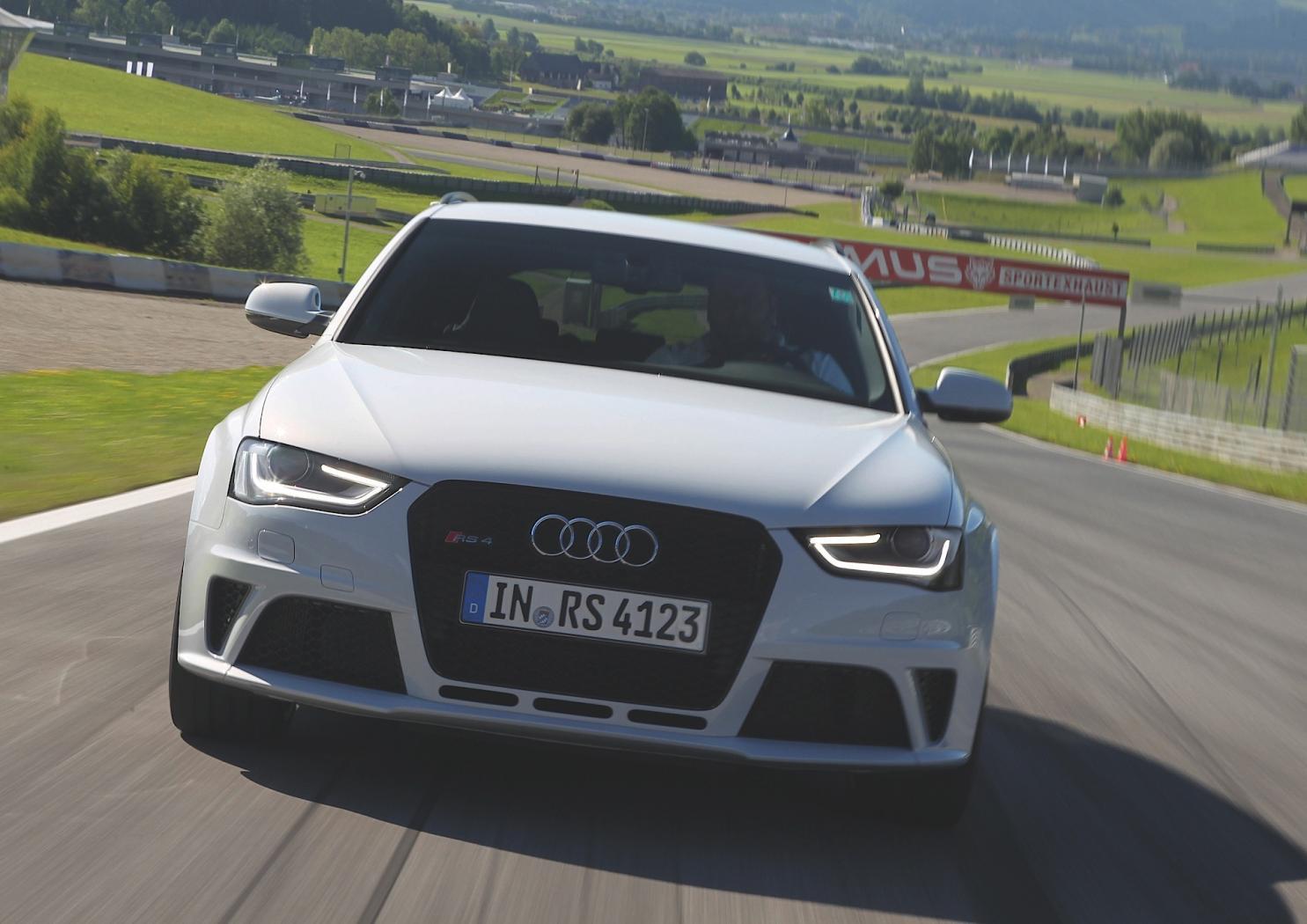 Audi-RS4-B8-6