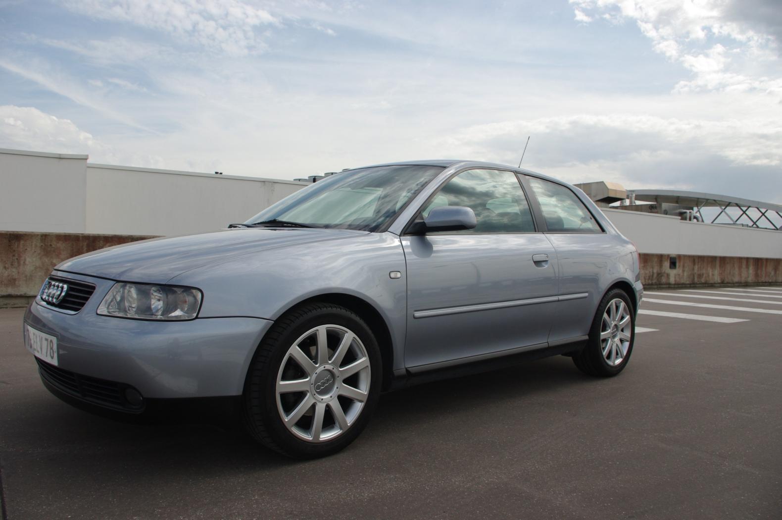 Audi S3 8L grise