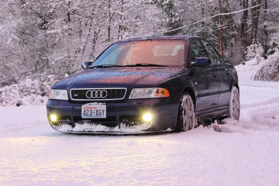 Audi-S4-B5-5