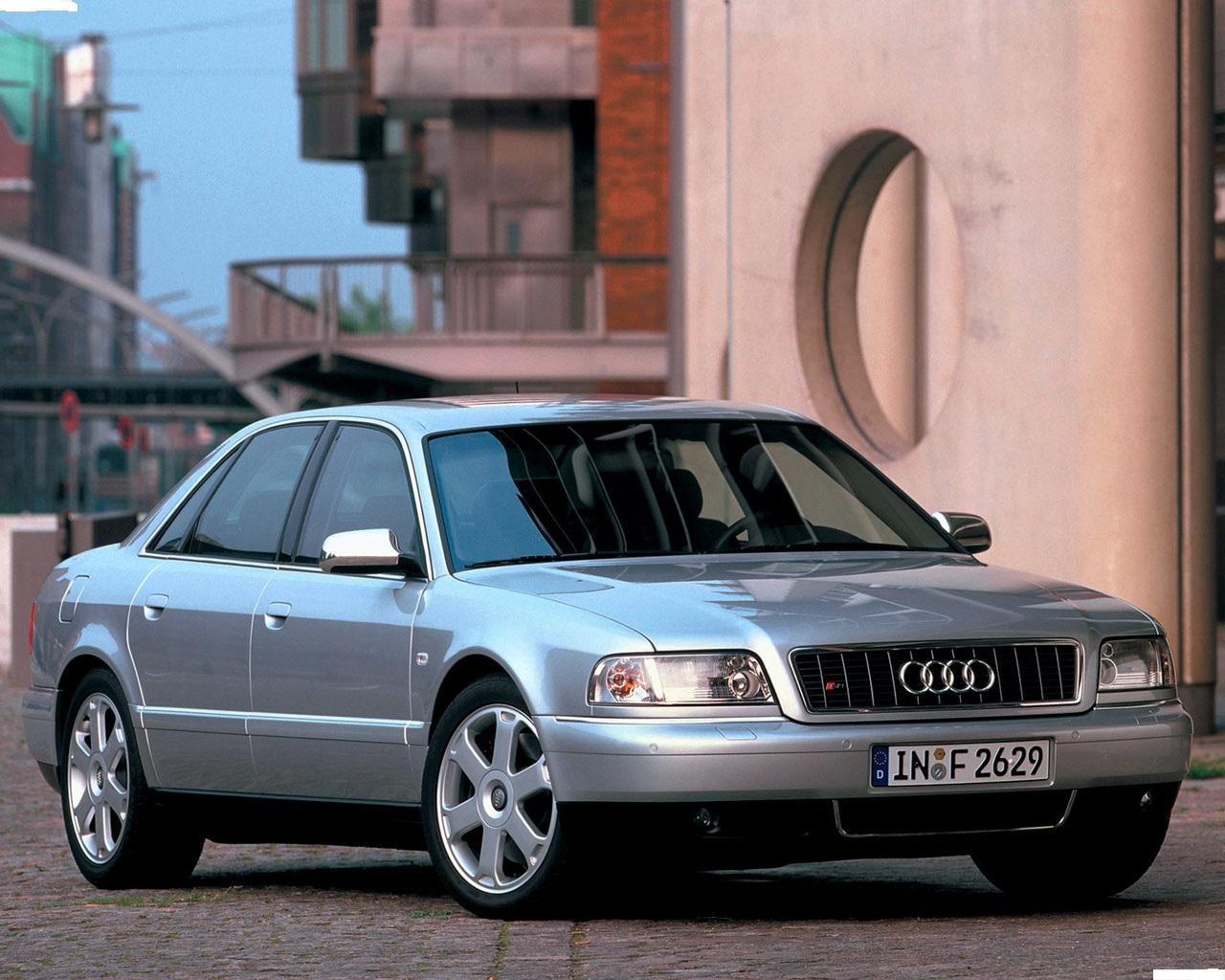 Audi-S8-D2-2