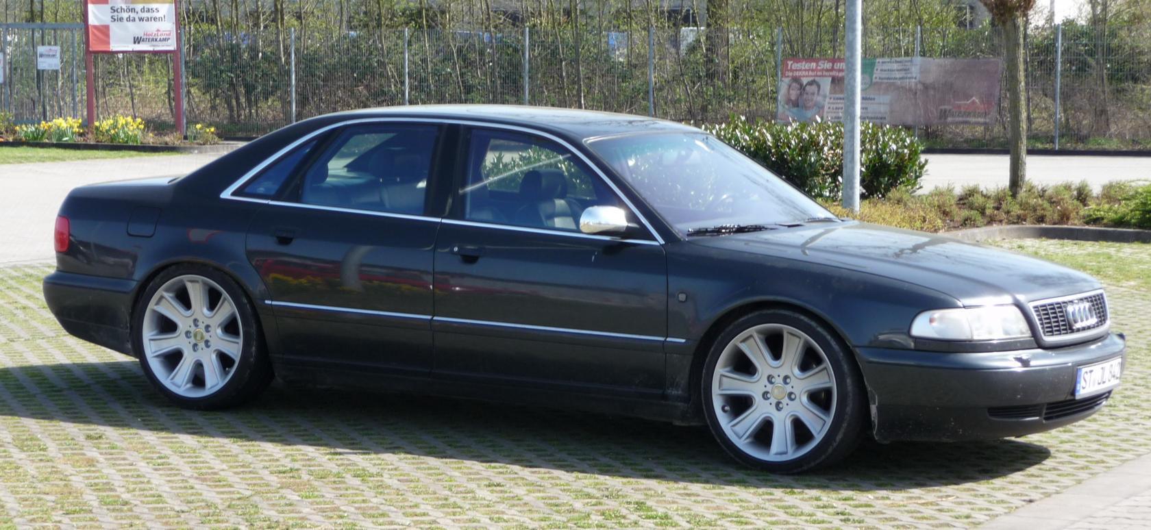 Audi-S8-D2-3
