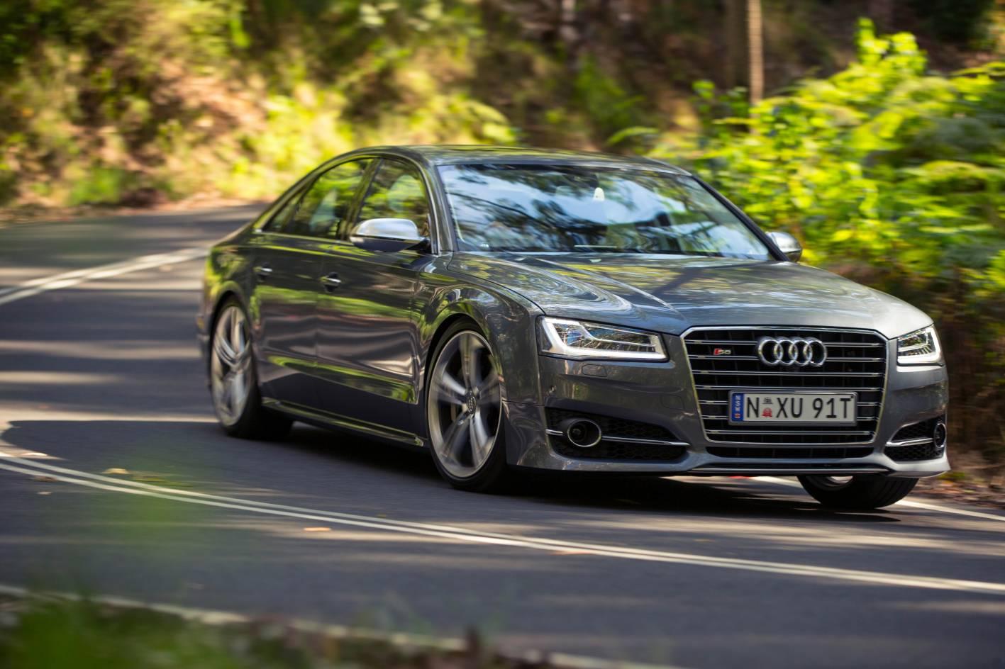 Audi-S8-D4-1
