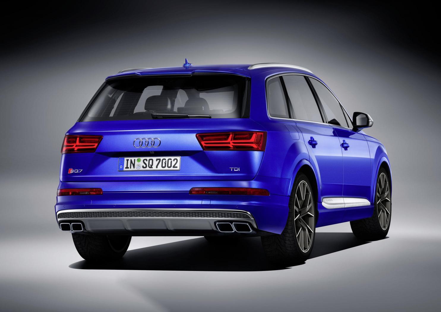Audi-SQ7-6