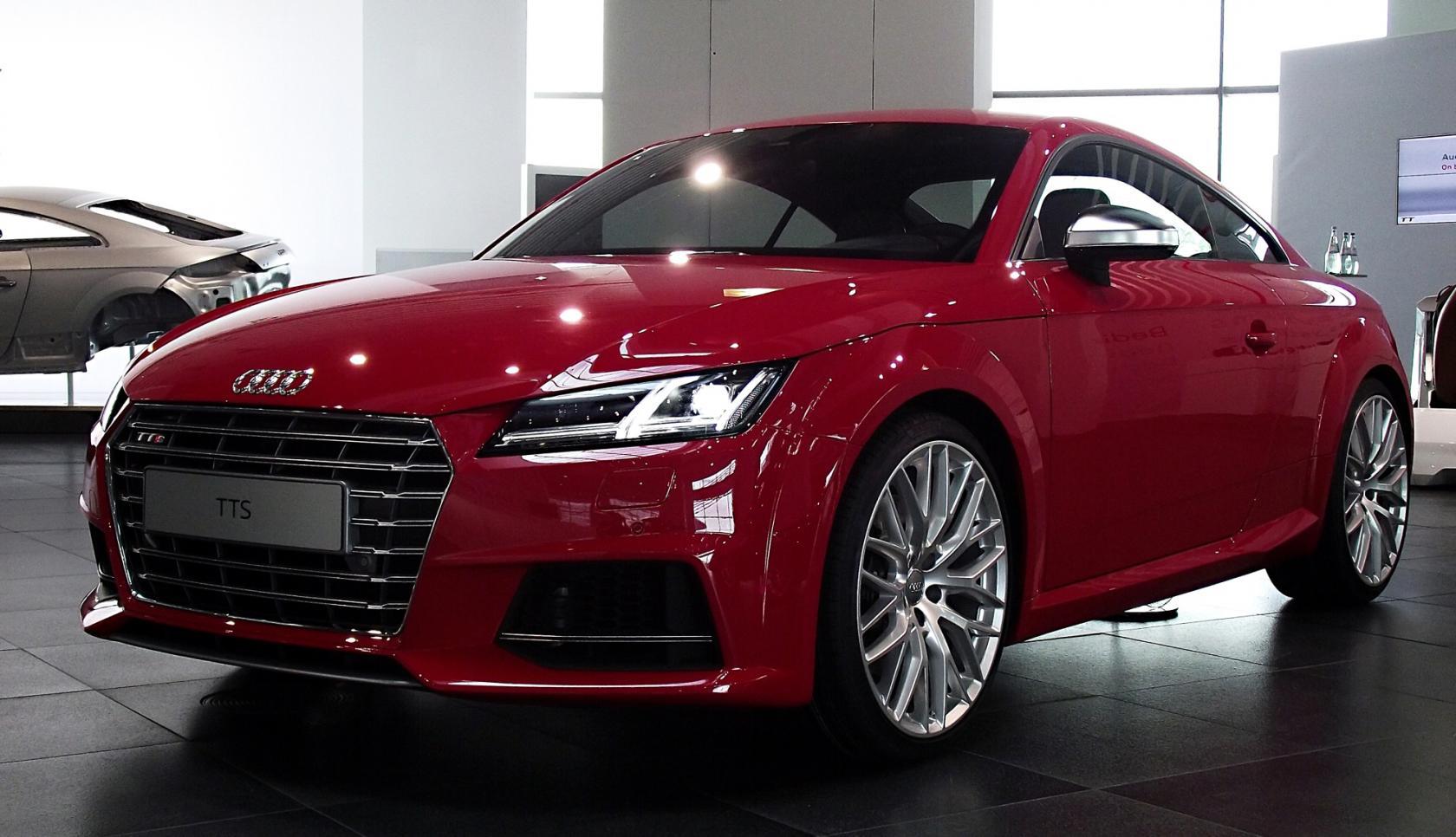 Audi-TT-8S-2