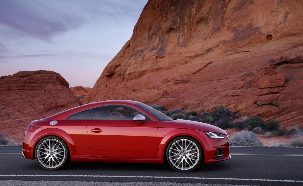 Audi-TT-S-Line-4