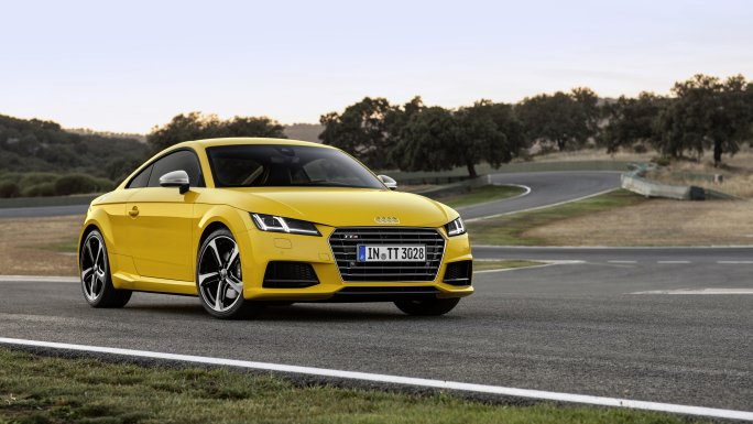 Audi TT coupé Jaune