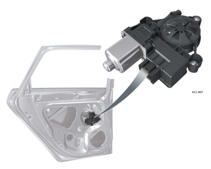 Emplacement-calculateurs-avec-moteur-de-leve-glace-arriere-cote-conducteur-J1016-et-arriere-cote-pas.png