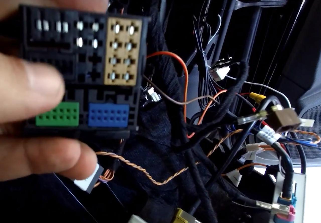 Tuto-installation-camera-Audi-A3-8V-4.jpeg