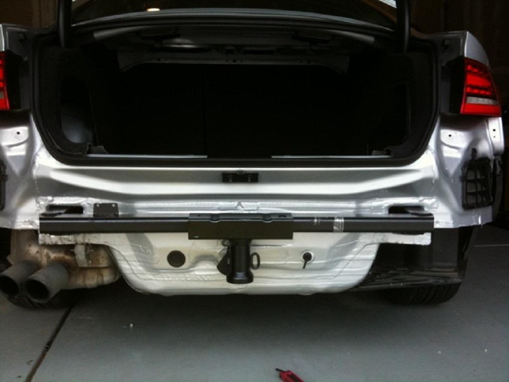 Tuto-montage-attelage-Audi-A4-B8-4.jpg