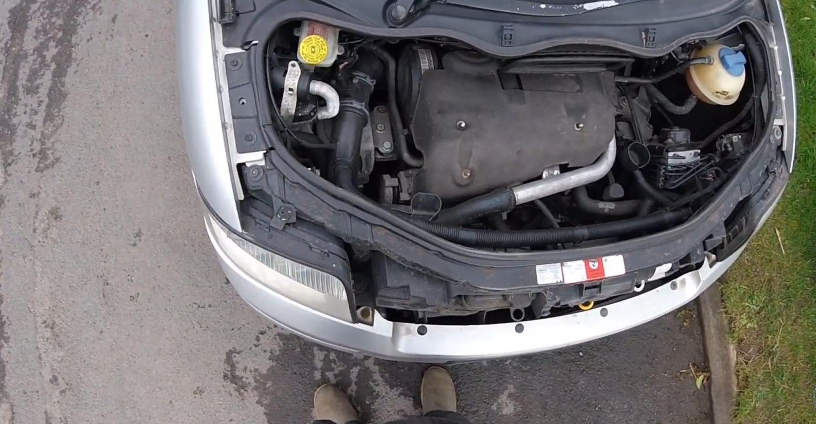 Tuto-remplacement-ampoules-AudiA2-1.jpeg