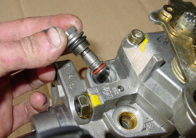 tuto-reparation-fuites-gasoil-pompe-bosch-a4-b5-7.jpg
